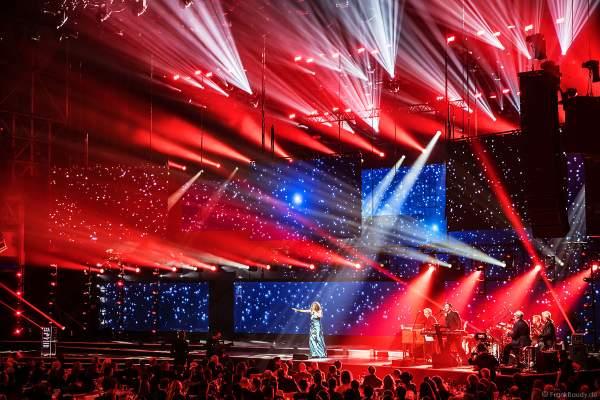 Bühnenauftritt Love Newkirk beim PRG Live Entertainment Award (LEA) 2019 in der Festhalle in Frankfurt