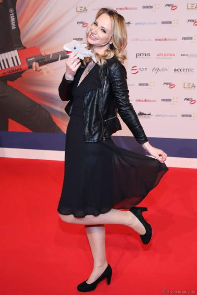 Pia Malo (Pia Malolepski) auf dem roten Teppich beim PRG Live Entertainment Award (LEA) 2019 in der Festhalle in Frankfurt