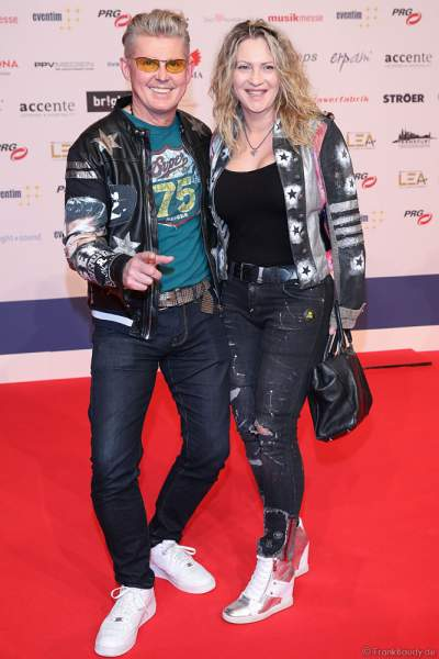 Markus Mörl mit Ehefrau Martina Mörl beim PRG Live Entertainment Award (LEA) 2019 in der Festhalle in Frankfurt