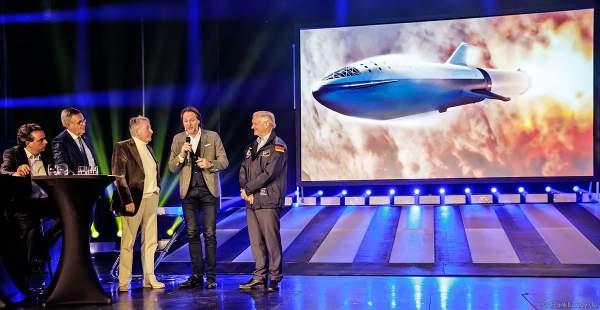 Familie Mack, Bruno Stanek und Ernst Messerschmid bei der Pressekonferenz zur Saisoneröffnung des Europa-Park 2019