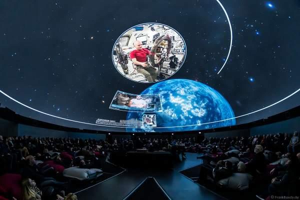Filmabenteuer Mission Astronaut mit Raumfahrer Alexander Gerst im 360 Grad-Kino TRAUMZEIT-DOME, Europa-Park 2019