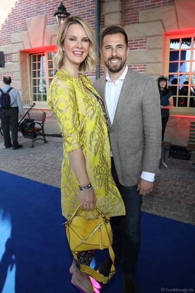 Model Monica Meier-Ivancan mit Ehemann Christian Meier bei der Eröffnungsfeier des neuen Themenhotel Kronasar im Europa-Park in Rust am 24.05.2019