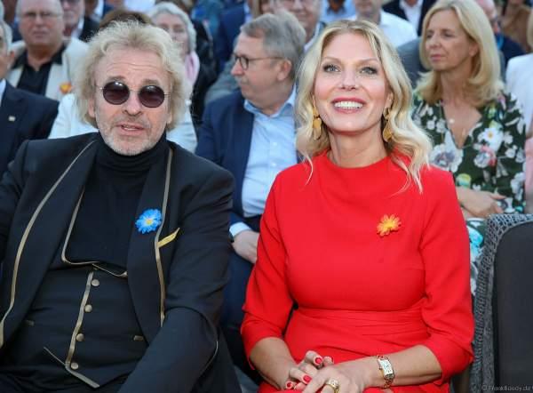 Thomas Gottschalk mit Freundin Karina Mroß bei der Eröffnungsfeier des neuen Themenhotel Kronasar im Europa-Park in Rust am 24.05.2019