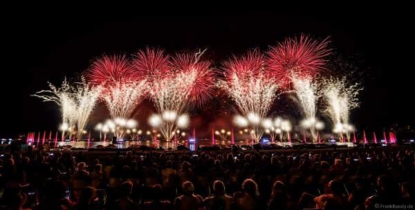 """Das Seefest """"Fête du Lac"""" in Annecy ist Europas größtes Feuerwerks- und Wasserspektakel - Rêver le ciel - 2019"""