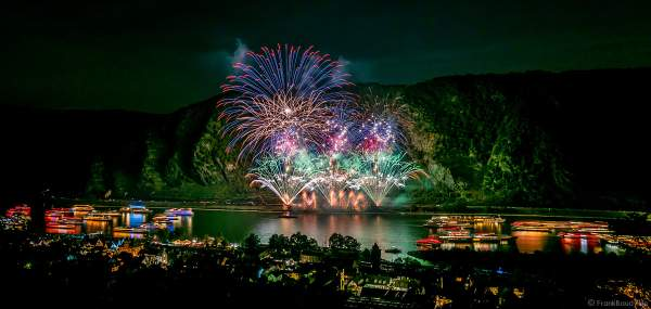 Feuerwerk TWILIGHT bei Rhein in Flammen 2019 in Oberwesel zur Musik von Electric Light Orchestra (ELO)