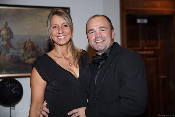 Sven Ottke mit Ehefrau Monic Frank beim 70. Geburtstag des Europa-Park-Gründers Roland Mack am 12.10.2019 in Rust