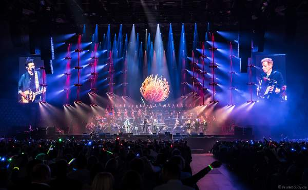 Eric Bazilian und Rob Hyman von den THE HOOTERS bei Night of the Proms 2019 in der SAP Arena Mannheim