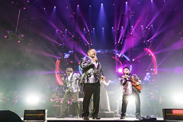 Al McKay`s Earth, Wind & Fire Experience bei Night of the Proms 2019 in der SAP Arena Mannheim