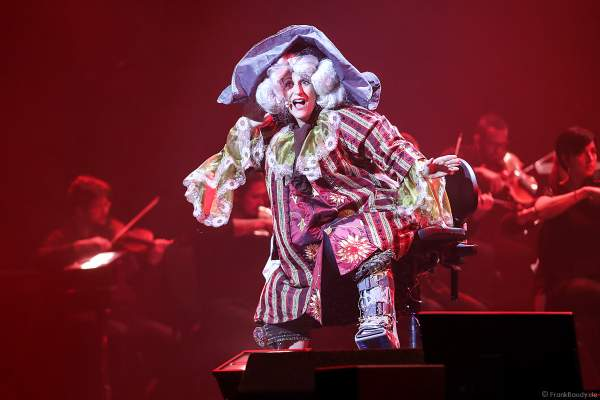 Natalie Choquette als Figaro bei Night of the Proms 2019 in der SAP Arena Mannheim