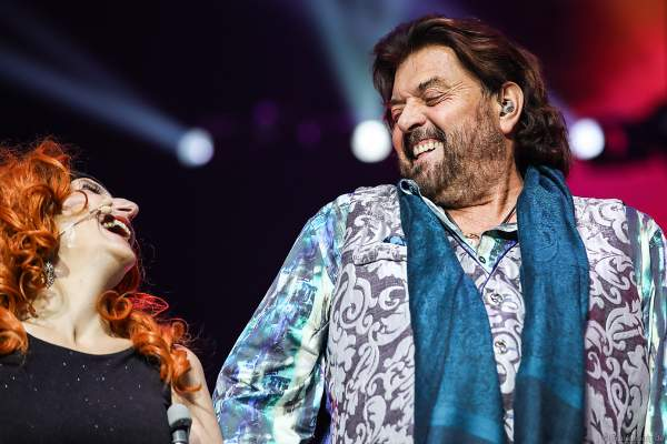 Natalie Choquette und Alan Parsons bei Night of the Proms 2019 in der SAP Arena Mannheim