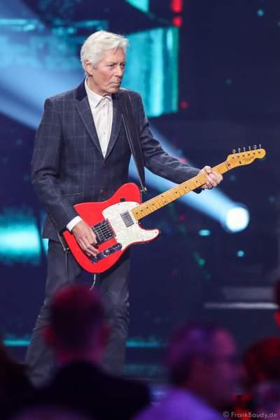 Die britische Band Status Quo bei der Silvestershow 2019/2020 in der Baden-Arena - Messe Offenburg