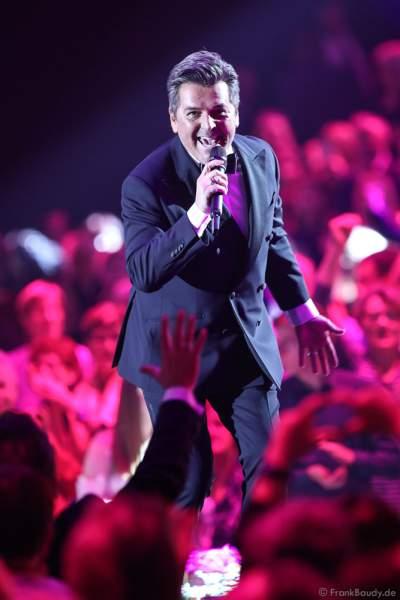 Deutscher Pop- und Schlagersänger Thomas Anders (bürgerlich Bernd Weidung) bei der Silvestershow 2019/2020 in der Baden-Arena - Messe Offenburg