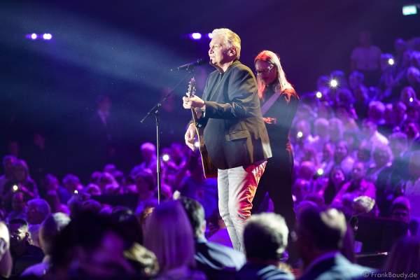 Rainhard Fendrich bei der Silvestershow 2019/2020 in der Baden-Arena - Messe Offenburg