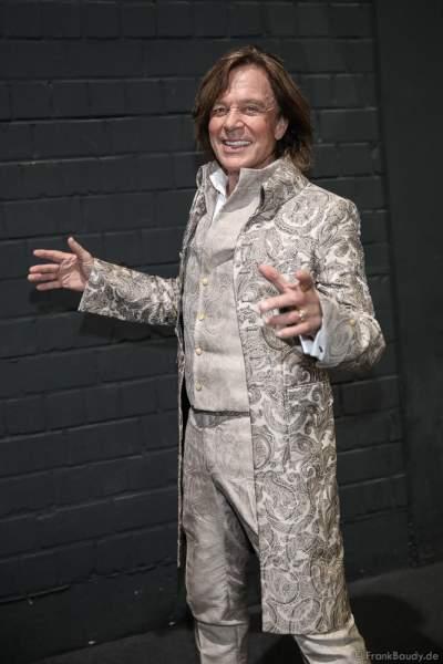 Jürgen Drews Backstage bei der Silvestershow 2019/2020 in der Baden-Arena - Messe Offenburg