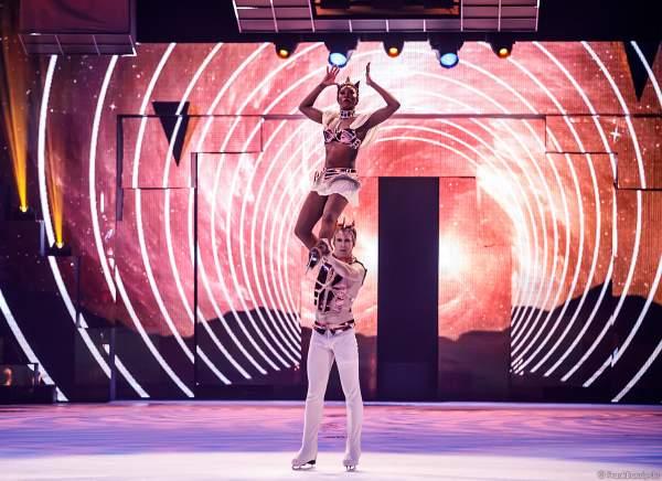 Mariyah Gerber und Peter Gerber bei der Eisshow SUPERNOVA von Holiday on Ice in der Festhalle Frankfurt und SAP Arena Mannheim 2019-2020