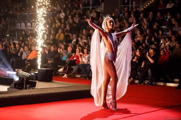 Taisia Bondarenko beim Finale der Eisshow SUPERNOVA von Holiday on Ice 2019-2020