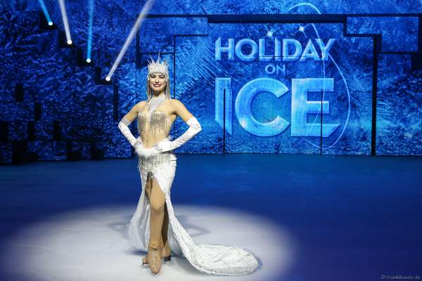 Patricia Kühne bei der Eisshow SUPERNOVA von Holiday on Ice 2019/2020