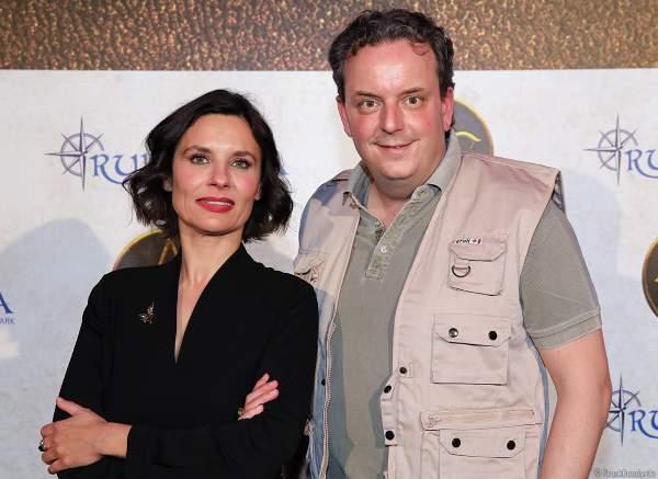 Die 22. Präsidentin Catherine Noir des Adventure Club of Europe und Michael Mack bei der Expedition Rulantica während der Adventure Night 2020 des Europa-Park