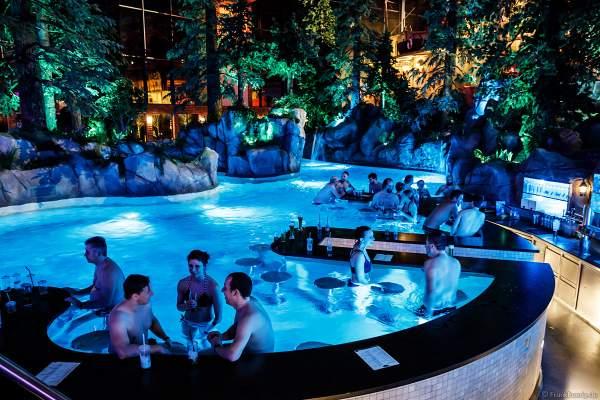 Poolbar in der Wasserwelt RULANTICA des Europa-Park