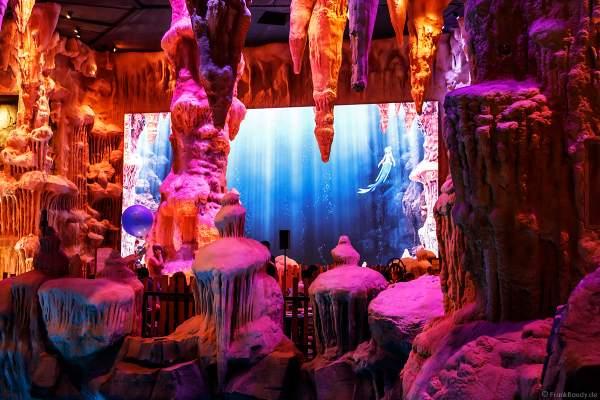 Land der Wassernixen und Wasserfällen in der Wasserwelt RULANTICA des Europa-Park