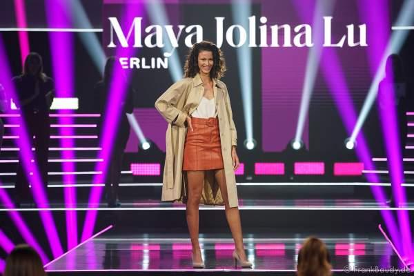 Miss Berlin, Maya Jolina Lu Wicht auf dem Laufsteg beim Miss Germany 2020 Finale in der Europa-Park Arena am 15.02.2020