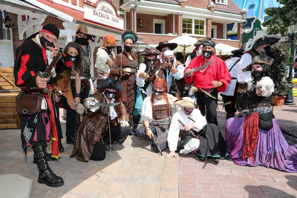 Die Piraten bei der Wiedereröffnung der PIRATEN IN BATAVIA im Europa-Park am 28. Juli 2020