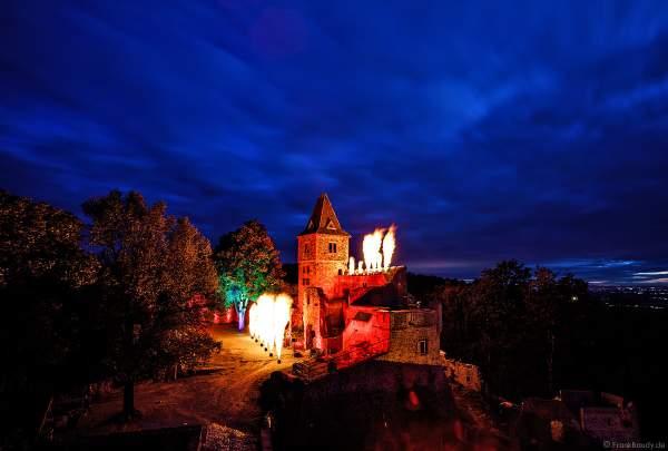 """Flammenshow mit Flammenprojektoren zur Musik von """"Games of Thrones"""" zum 50-jährigen Jubiläum des Restaurants auf Burg Frankenstein am 10.09.2020"""