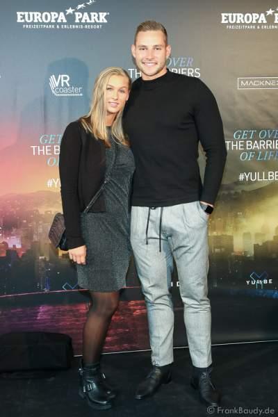 """Johannes Vetter und Verena Hoelle bei der Eröffnung der der neuen YULLBE Horror Experience """"Traumatica"""" im Europa-Park am 2. Oktober 2020"""