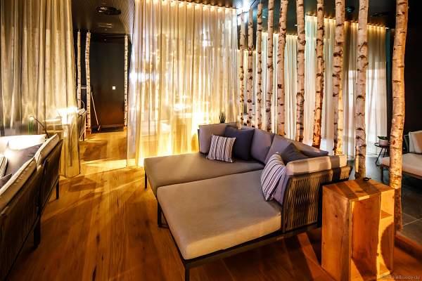 Für die Gäste von HYGGEDAL gibt es zahlreiche Liegen und Sofas zum Relaxen und Träumen
