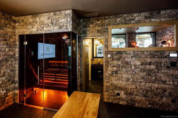 """""""Hygge Supreme Hydda"""" – eine exklusive Top Suite für bis zu vier Personen mit einmaliger Aussicht auf die Wasserwelt mit privater Sauna sowie zahlreichen Zusatzangeboten"""