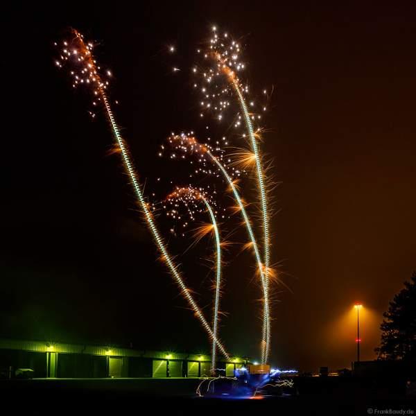 Crackling Bird - Xplode beim Silvesterfeuerwerk-Vorschießen der Firma Beisel Pyrotechnik 2020-2021 - E210 Event-Hangar Rheinmünster Baden