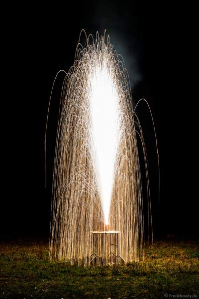 Große Vorführung von Feuerwerksartikel bei der XXL LIVE Böllertour