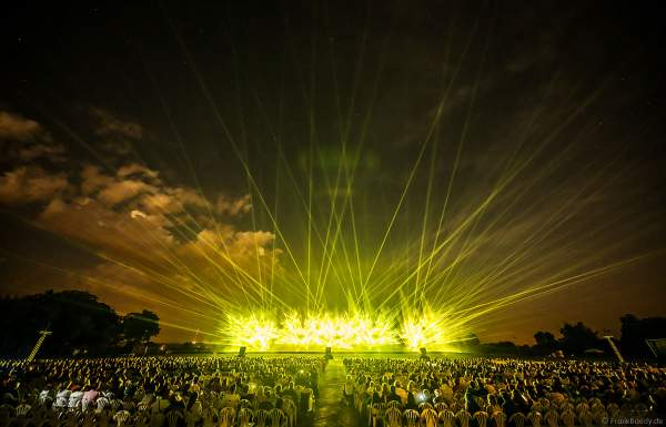 Open Air Festival Vents d'Est 2021 mit Wassershow und Laser in Furdenheim bei Straßburg