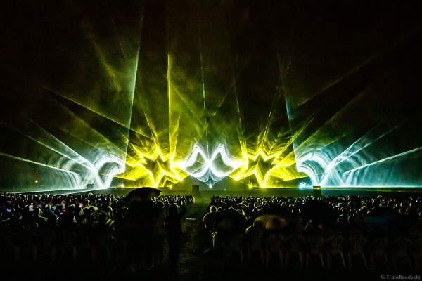 Open Air Festival Vents d'Est 2021 mit Wassershow und Laser bei Art et Lumière Furdenheim bei Straßburg