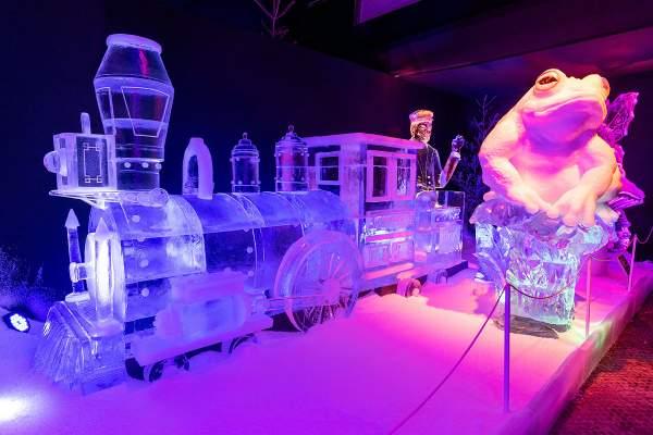 Faszinierende Skulpturen aus Eis im Europa-Park